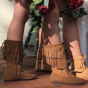 Minnetonka zip up suede moccasin boots sz 7